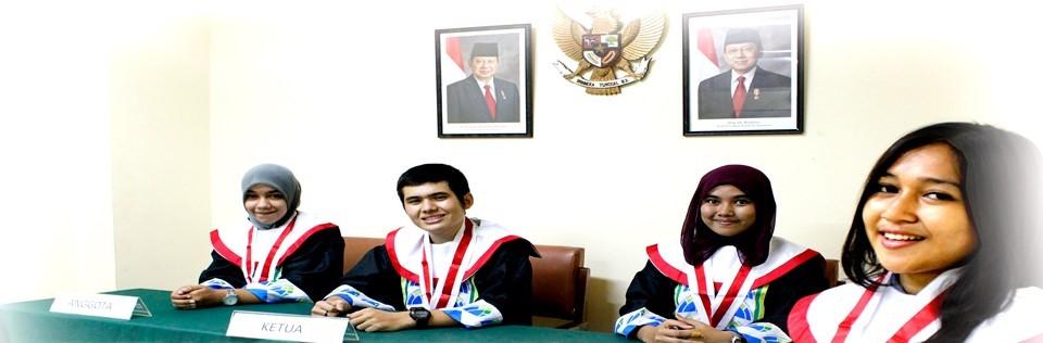 mahasiswa hukum universitas azzahra